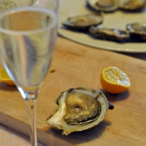 oysters-and-prosecco