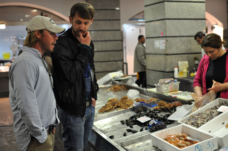 Eat istria secrets of fish filleting and grilling for Fish market hours
